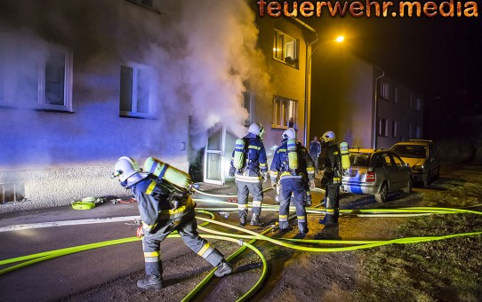 Neun gerettete Personen bei Kellerbrand in Krems-Lerchenfeld (+Video)