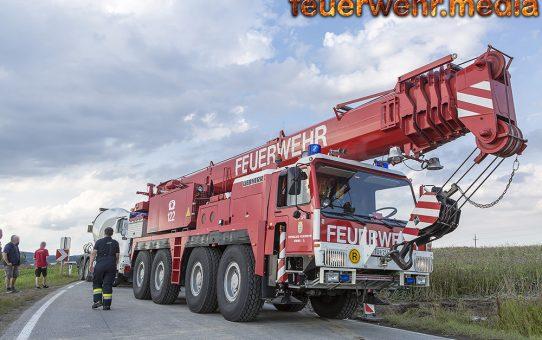 Bergung von einem Betonmischwagen auf der L55