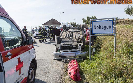 Zwei Verletzte bei Fahrzeugüberschlag auf der L7040 in Nöhagen