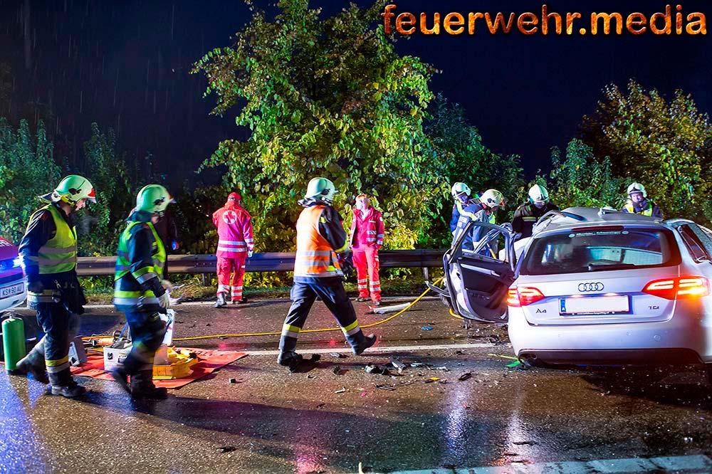 Todesopfer bei Unfall zwischen Pkw und Lkw auf der B37