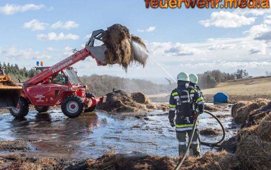 Einsatz nach Großbrand in Dürnstein geht weiter