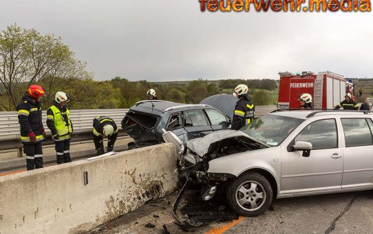 Verkehrsunfall im Bereich der Brückenbaustelle der B37 in Lengenfeld