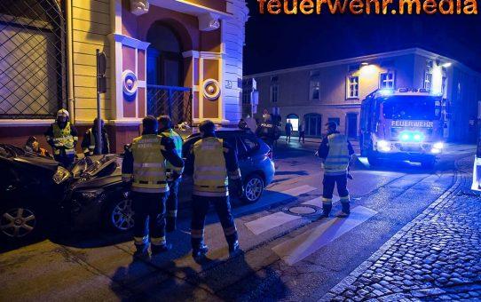 Pkw prallt am Dreifaltigkeitsplatz gegen ein abgestelltes Fahrzeug