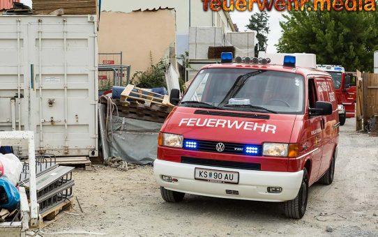Menschenrettung nach Unfall auf einer Baustelle in Krems-Stein