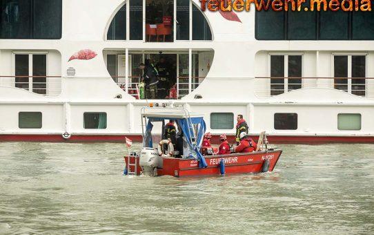 Brand eines Passagierschiffes auf der Donau in der Wachau