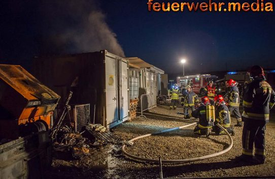 Brand am Lagerplatz einer Baustelle in Langenlois