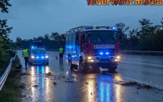 Fahrzeuglenker bleibt nach Unfall auf der B37 unverletzt