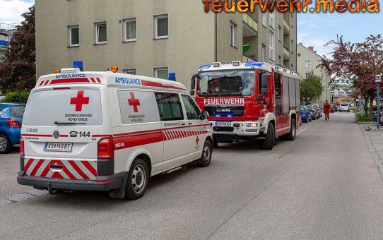 Feuerwehr verschafft dem Roten Kreuz Zugang zu einer Patientin
