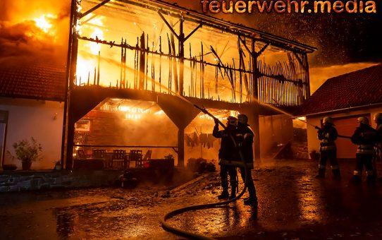 Brand eines landwirtschaftlichen Gebäudes in Niedergrünbach