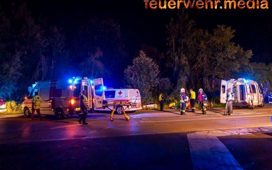 Verkehrsunfall mit Menschenrettung auf der Ausfahrt B37a
