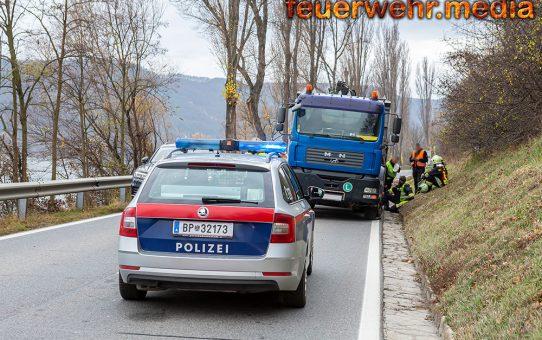 Lkw-Unfall auf der B3 in Krems-Stein