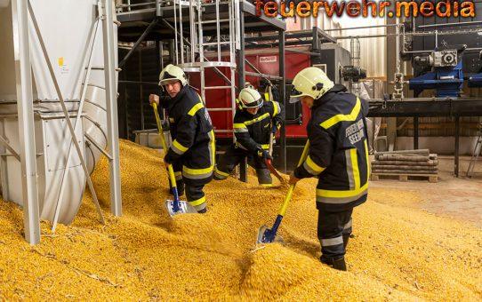 Silobrand - 75 Tonnen Mais händisch geleert