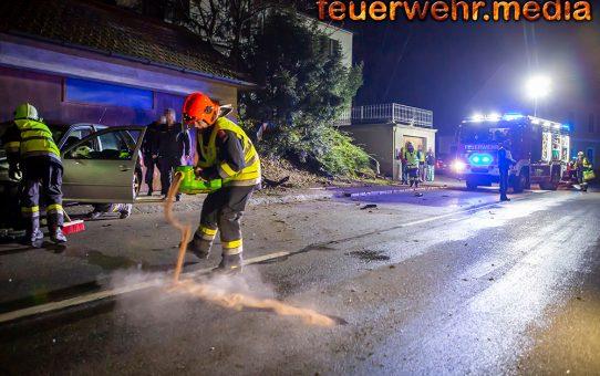 Fahrzeugbergung nach Verkehrsunfall in der Rehberger Hauptstraße