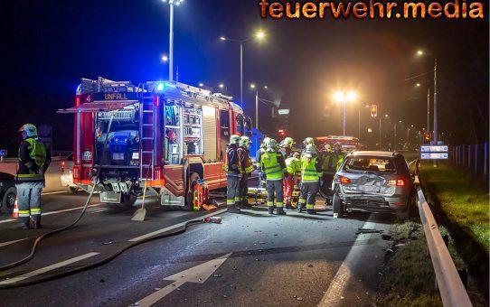 Menschenrettung nach abendlichem Verkehrsunfall auf der S5