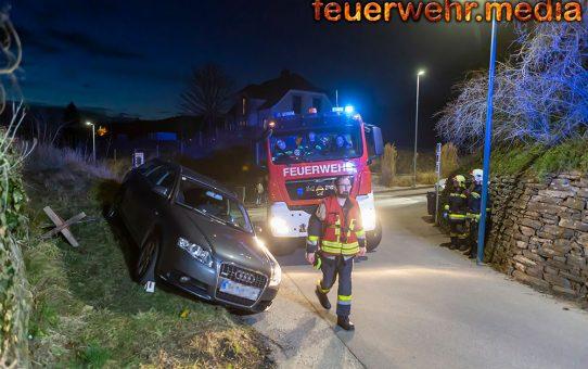 Defektes Fahrzeug rollt die Rehberger Kellergasse hinunter
