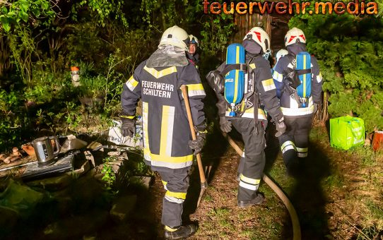 Zwei Personen bei Wohnhausbrand gerettet