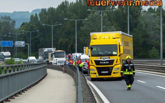 Langer Stau nach Unfall auf der St. Pöltner Brücke