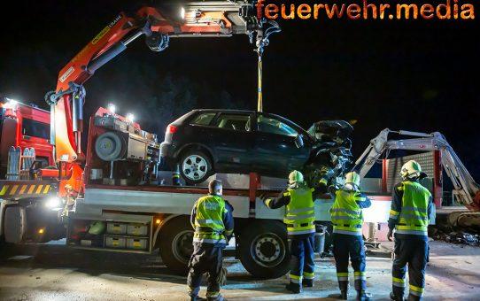 Fahrzeug rast auf der S5 in eine Baustelle