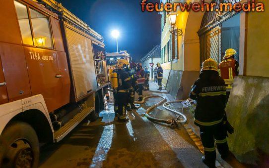 Vier Feuerwehren bei Zimmerbrand in Zöbing im Einsatz