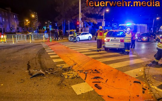 Verkehrsbehinderung nach Unfall im Kreuzungsbereich