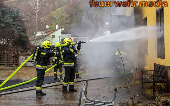 Brand in einer Senftenberger Lagerhalle
