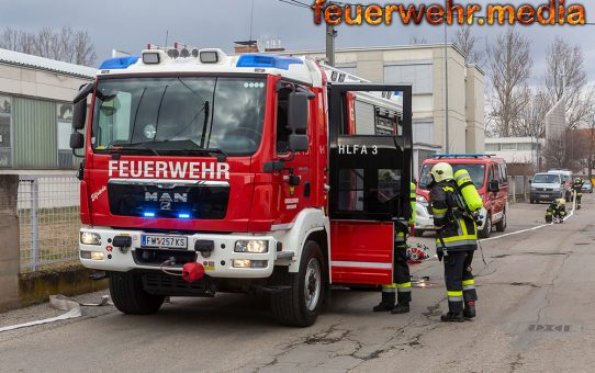 Brand in einer Halle eines Kremser Gewerbebetriebes