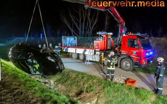 Fahrzeugüberschlag auf der B37 – Lenkerin unverletzt