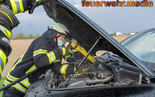 Fahrzeuglenker verhindert Fahrzeugbrand