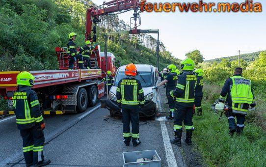 Großaufgebot an Einsatzkräften nach Unfall auf der B34