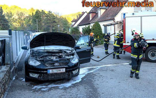 Ersthelfer löschen Fahrzeugbrand in Rehberg