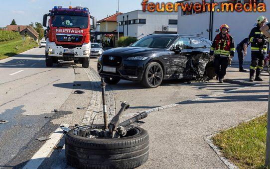 Kollision mit zwei Fahrzeugen – Hinterrad ausgerissen