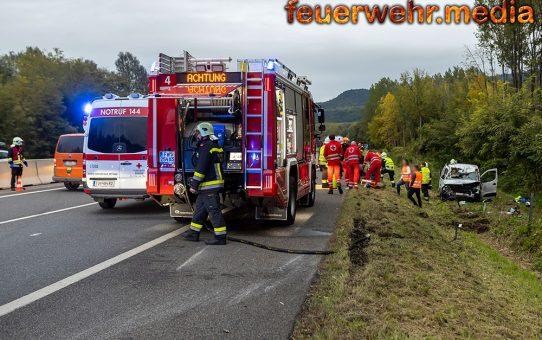 Fahrzeugüberschlag nach einem Auffahrunfall auf der B37a