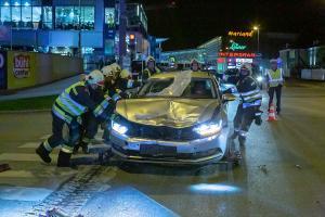 Unfall mit zwei Pkw auf der McDonald Kreuzung