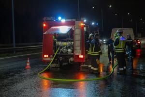 Technischer Defekt an einem Transporter führt zu Feuerwehreinsatz