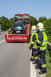 Pkw-Bergung nach Unfall auf der S5 in Grunddorf