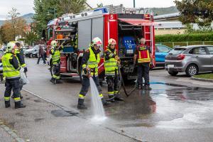 Vorrangverletzung führt zu Unfall mit zwei Fahrzeugen