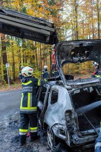 Pkw auf der L7039 ausgebrannt