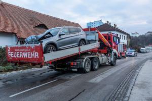 Gasaustritt nach Verkehrsunfall in der Kremstalstraße