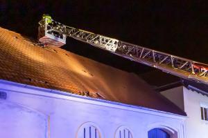 Sturm über Krems - Dachziegel landen auf der Straße