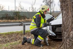 Verkehrsunfall in der Bertschingerstraße - Zwei Personen vom Rettungsdienst versorgt