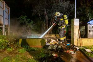 Neuerlicher Brand einer Müllinsel in Krems-Stein