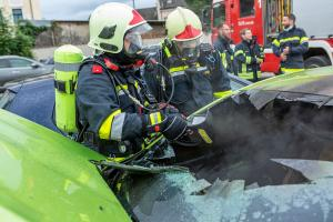 Fahrzeugbrand am Krankenhausparkplatz