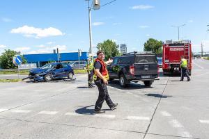 Zwei Verletzte nach Unfall mit zwei Fahrzeugen auf der S5