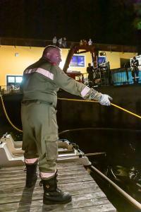 Pkw stürzt in den Stausee Ottenstein - Zwei Personen retten sich aus dem sinkenden Fahrzeug