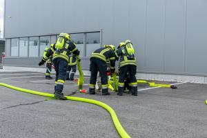 Brand im Gewerbegebiet Theiss