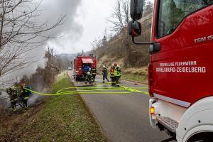 Pkw-Brand nach Unfall auf der L44