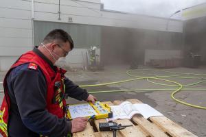 Brand einer Maschine in einer Lagerhalle