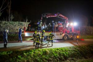 Fahrzeugüberschlag auf der B37 - Fahrzeuglenkerin unverletzt