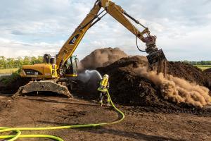Langwieriger Einsatz beim Brand eines Komposthaufens