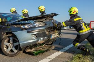 Unfall mit zwei Pkw im Morgenverkehr auf der B37